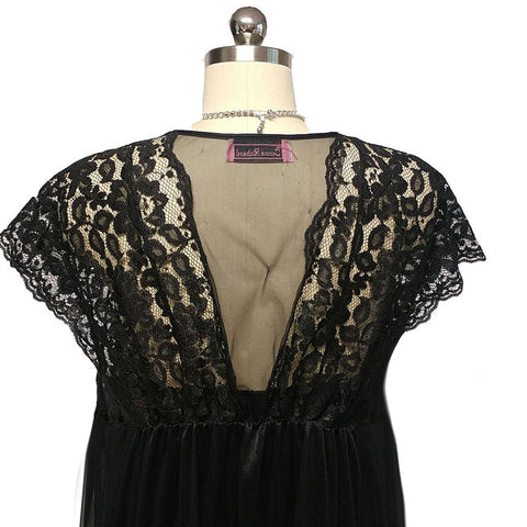 SOPHISTICATED VINTAGE DONNA RICHARD LACE & SATIN PEIGNOIR & NIGHTGOWN SET