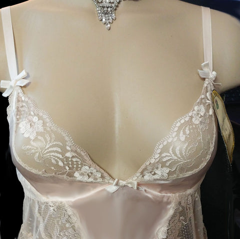VINTAGE BEAUTIFUL ANDREA KRISTOFF FOR ESCANTE BRIDAL TROUSSEAU LACE RUFFLE BUSTIER-LOOK BODY SUIT WITH GARTERS  / TEDDIE - NEW WITH TAGS