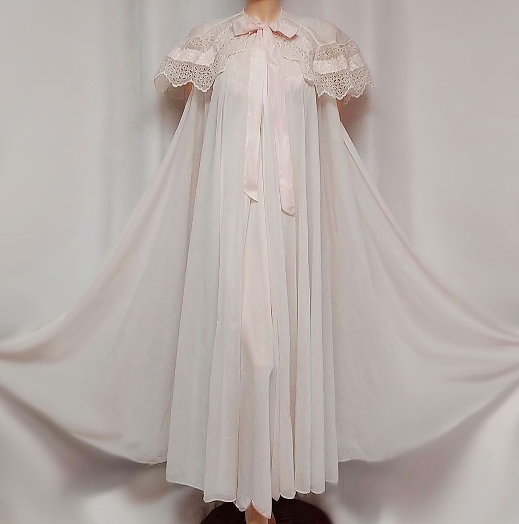 5fb27d6e0e4 GORGEOUS ELABORATE VINTAGE EYE FUL BY RUTH FLAUM BRIDAL TROUSSEAU  EMBROIDERED EYELET   APPLIQUES SHAWL COLLAR
