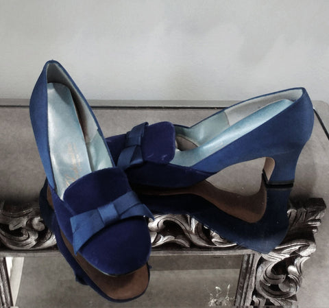 SOLD - VINTAGE 1960'S FASHIONATION BY HELENA BAZAAR BLUE VELVET & SATIN BEDROOM SLIPPERS OR EVENING SLIPPERS