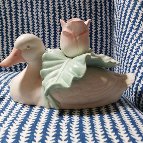 VINTAGE '80s FITZ & FLOYD PORCELAIN WHITE DUCK CANDLE HOLDERS WITH PINK & GREEN TULIPS & LEAVES