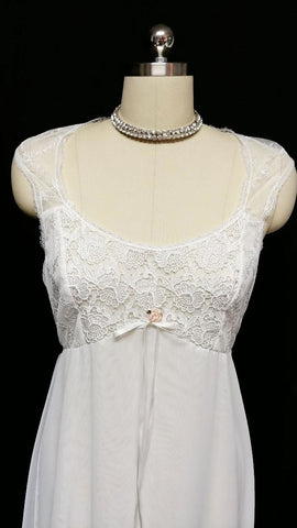VINTAGE FLORA NIKROOZ BRIDAL TROUSSEAU WEDDING NIGHTGOWN WITH CHIFFON, LACE & APPLIQUES - SIZE LARGE
