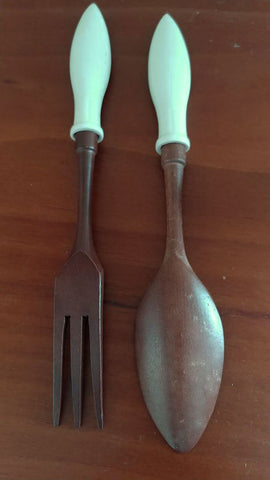 VINTAGE FLORIDA '60s / '70s HOSTESS SALAD SERVER SET WITH SALT & PEPPER SHAKERS