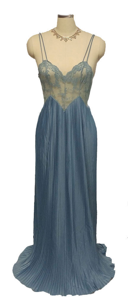 VINTAGE FORMFIT ROGERS PLEATED GODDESS LACE NIGHTGOWN WITH A FABULOUS BACK IN SMOKY BLUE
