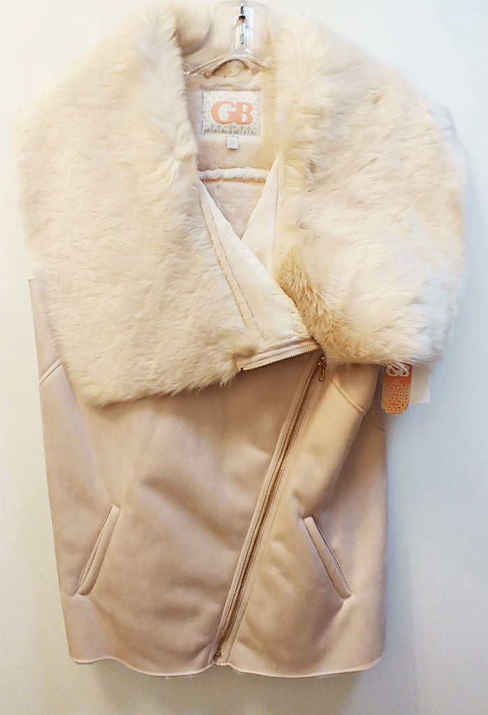 NEW WITH TAGS - GIANNI BINI PLUSH FAUX FUR & SUEDE VEST - PERFECT FOR FALL & WINTER AND WOULD MAKE A WONDERFUL GIFT! - WOULD MAKE A WONDERFUL CHRISTMAS OR BIRTHDAY GIFT!