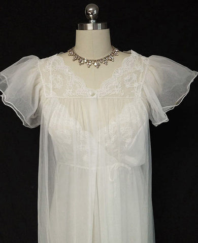 VINTAGE GILEAD BRIDAL TROUSSEAU LACE PEIGNOIR & NIGHTGOWN SET