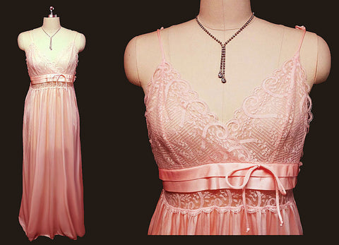 VINTAGE GILEAD LACE NIGHTGOWN IN GEORGIA PEACH