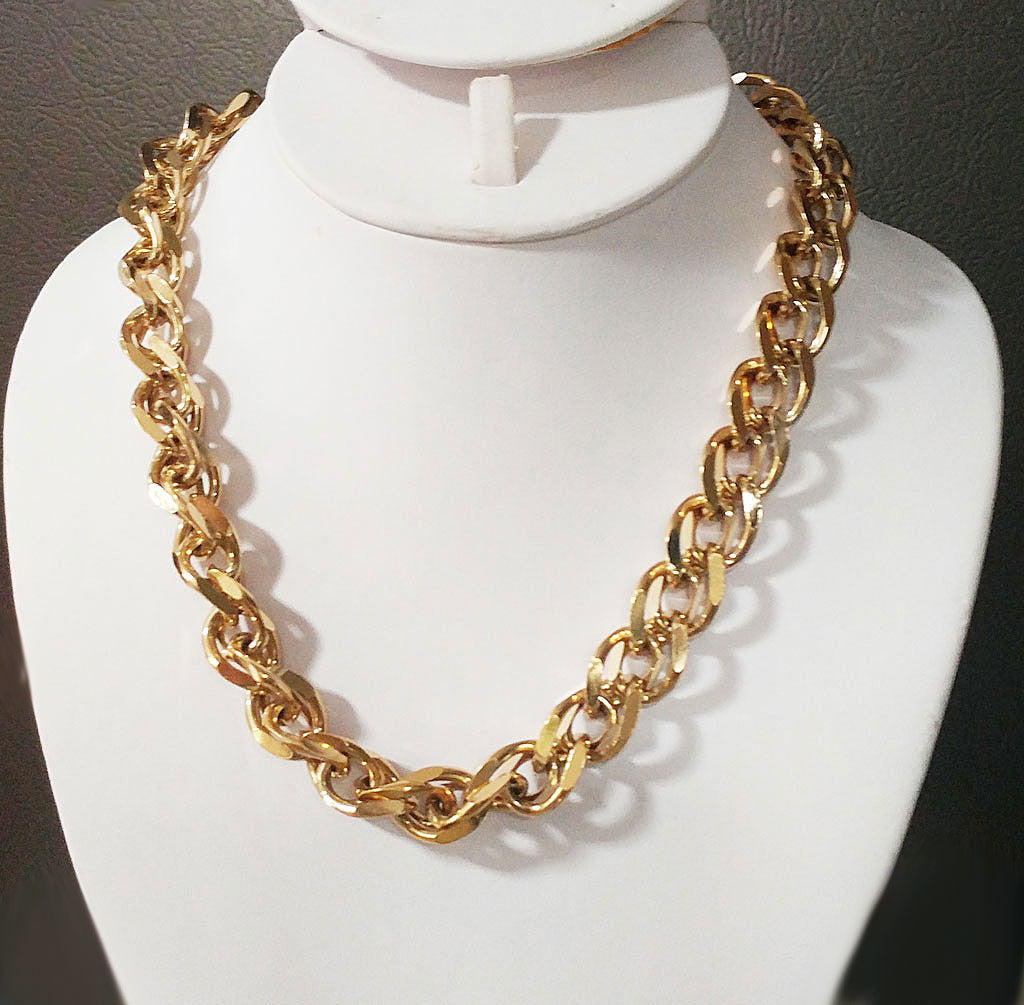 VINTAGE '80s GIVENCHY SPARKLING HEAVY LINK NECKLACE WITH SIGNATURE