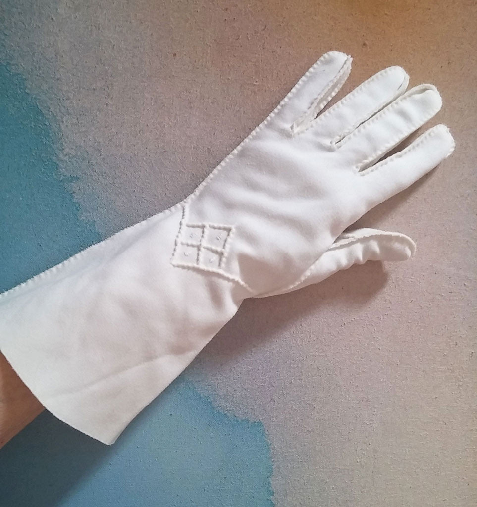 VINTAGE '60s LONG OFF WHITE COTTON FORMAL GAUNTLET WEDDING GLOVES WITH RAISED DIAMOND DESIGNS