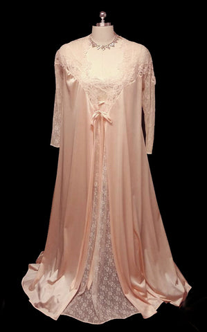 812cd84bd0 GORGEOUS VINTAGE GLYDONS LACE   APPLIQUE PEIGNOIR WITH ALL LACE NIGHTGOWN  SET IN PEACH ELEGANCE