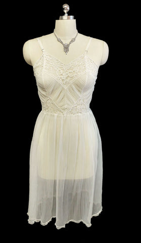 GORGEOUS VINTAGE GMC SHEER PLEATED NYLON & LACE NIGHTGOWN OR SLIP - VERY FEMININE