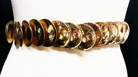NEW OLD STOCK FROM THE 1970s- VINTAGE 1970s HAMMERED GOLD TONE METAL COIN STRETCH BELT
