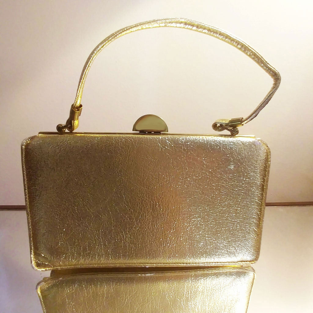 VINTAGE RECTANGLE GOLD EVENING PURSE WITH ART DECO LOOK CLASP