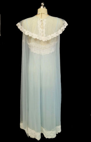 VINTAGE GOTHAM PEIGNOIR & NIGHTGOWN SET DRIPPING IN LACE & BOWS IN CELESTIAL BLUE
