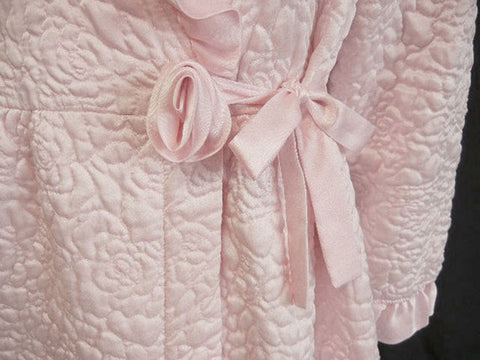 SOLD - GLAMOROUS VINTAGE GILLIGAN O'MALLEY QUILTED GLEAMING SATIN BRIDAL TROUSSESU ROBE DRESSING GOWN WITH LARGE FABRIC ROSE IN FROSTED PINK PEARL