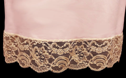 FANCY VINTAGE HOLLYWOOD VASSERETTE ECRU LACE SLIP IN SWEETHEART PINK