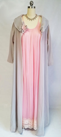 SOLD - VINTAGE HOLLYWOOD VASSERETTE PEIGNOIR WITH FREE PINK INTIME NIGHTGOWN