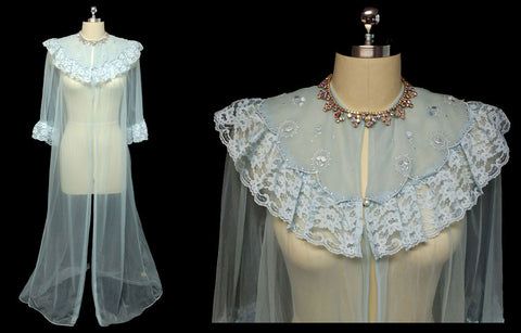 VINTAGE ILISE STEVENS LACE EMBROIDERED FANCY COLLAR SHEER PEIGNOIR IN FORGET ME NOT BLUE