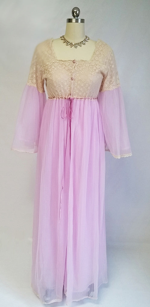 VINTAGE INTIME DOUBLE NYLON & LACE PLEATED LACE PEIGNOIR & NIGHTGOWN SET IN JUNGLE ORCHID