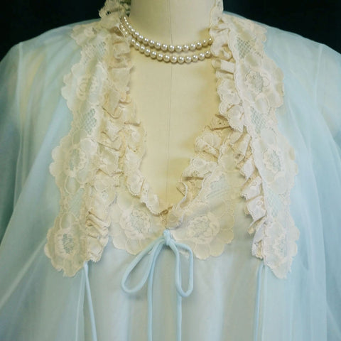 VINTAGE INTIME OF CALIFORNIA DOUBLE NYLON LACE PEIGNOIR & NIGHTGOWN SET IN STARLIGHT