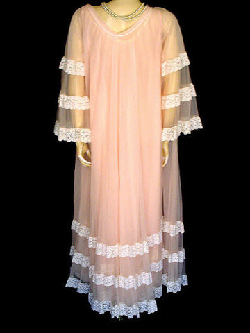 FROM MY OWN PERSONAL COLLECTION - EXQUISITE VINTAGE INTIME LACE DOUBLE NYLON PEIGNOIR & GOWN IN WATER LILY
