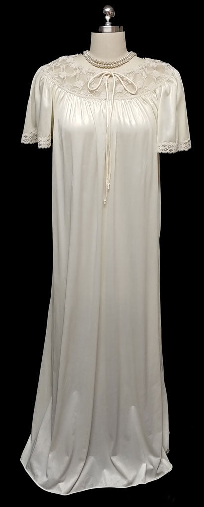 MG1290 - SOLD - VINTAGE '60s IVORY VICTORIAN-LOOK NIGHTGOWN DRIPPING WITH LACE