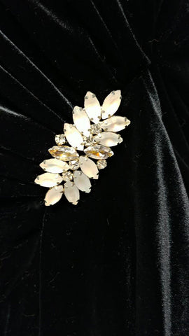 VINTAGE '30s / '40s LOOK JEFFREY & DARA EVENINGS DESIGNED BY TOM BARRA WITH RHINESTONE PIN