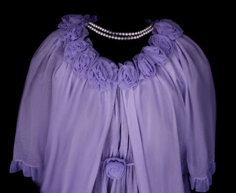 FROM MY OWN PERSONAL COLLECTION - RARE, RARE VINTAGE JENELLE OF CALIFORNIA PEIGNOIR & NIGHTGOWN SET ADORNED WITH  DOUBLE NYLON ROSES IN FRENCH LILAC