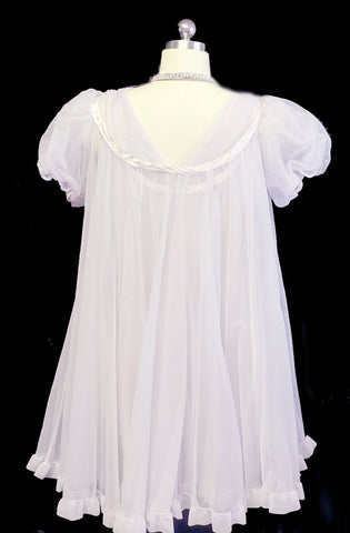 VINTAGE JENELLE OF CALIFORNIA GRAND SWEEP PEIGNOIR & NIGHTGOWN SET IN HINT OF LAVENDER - SIZE LARGE