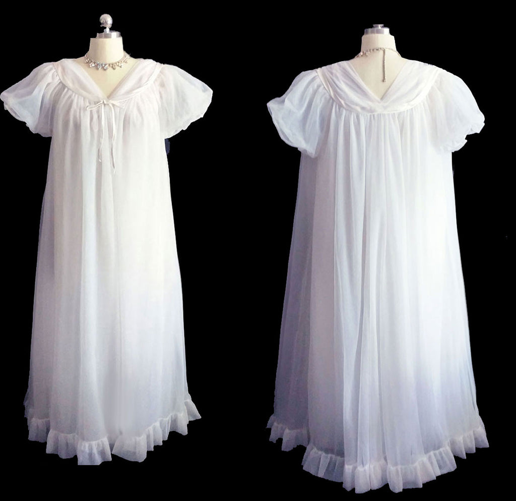 VINTAGE JENELLE OF CALIFORNIA DOUBLE NYLON PEIGNOIR & NIGHTGOWN SET TRIMMED WITH SATIN IN BRIDAL WHITE