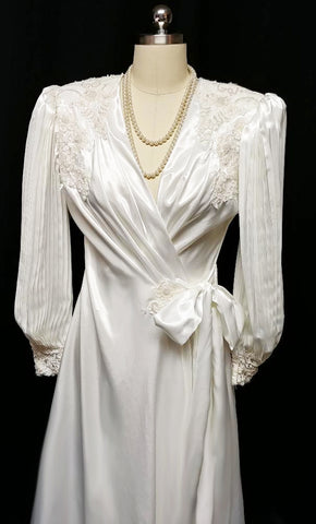SOLD - MG ORDER #1336 - GORGEOUS VINTAGE JONQUIL BY DIANE SAMANDI BRIDAL TROUSSEAU DRESSING GOWN PEIGNOIR EMBELLISHED WITH CHANTILLY LACE, PEARLS & SEQUINS - WOULD MAKE A WONDERFUL GIFT!