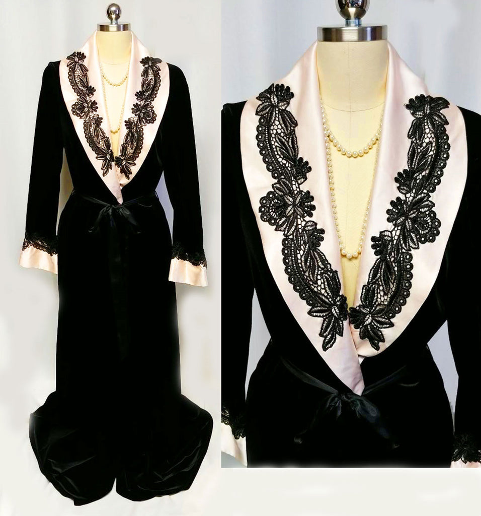 GORGEOUS VINTAGE JONQUIL BY DIANE SAMANDI FROM NEIMAN MARCUS BLACK & PINK SATIN DRESSING GOWN ROBE ADORNED WITH FABULOUS BLACK LACE - SIZE LARGE