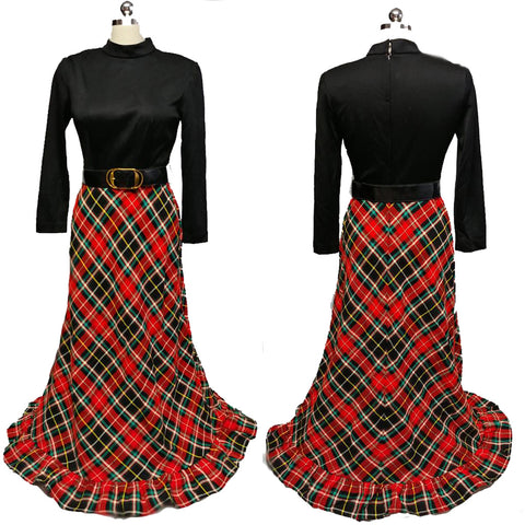 VINTAGE KELLY ARDEN RED AND BLACK PLAID HOSTESS DRESS / DRESSING GOWN WITH A GRAND SWEEP - PERFECT FOR CHRISTMAS ENTERTAINING OR WHEN OPENING PRESENTS