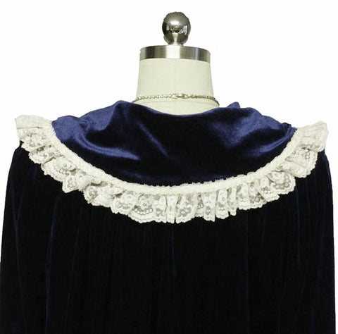 VINTAGE VICTORIAN LOOK FANCY KOMAR VELVETY ROBE DRESSING GOWN IN SAPPHIRE DRIPPING WITH LACE