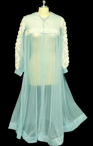 VINTAGE LE VOY LACE SHEER PEIGNOIR IN CHERUB BLUE