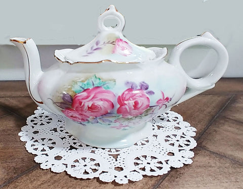 "CHARMING VINTAGE LEFTON MUSICAL HAND PAINTED FLORAL TEAPOT - PLAYS ""TEA FOR TWO"""