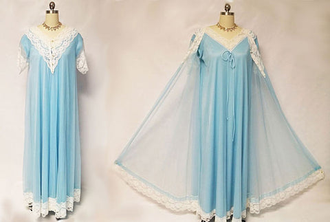 GORGEOUS VINTAGE LE VOY PEIGNOIR & NIGHTGOWN SET IN BLUE DANUBE