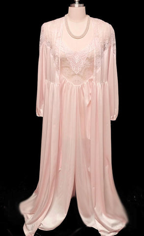 VINTAGE LILY OF FRANCE SLEEPWEAR BRIDAL WEDDING NIGHT LACE PEIGNOIR & NIGHTGOWN SET IN DUSTING POWDER