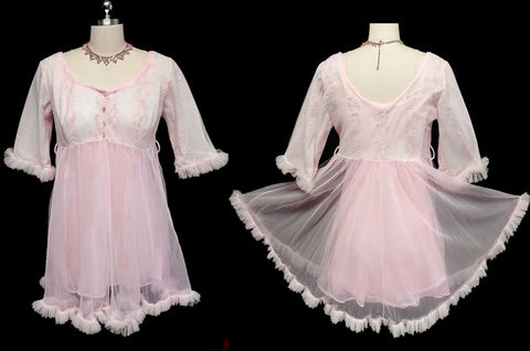 VINTAGE LISETTE DESIGNED BY AL STERLING DOUBLE NYLON PEIGNOIR & NIGHTGOWN SET WITH FLOCKING