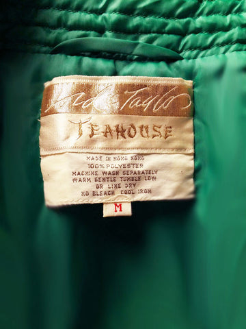 VINTAGE '60s LORD & TAYLOR TEAHOUSE QUILTED ROBE FROM HONG KONG IN EMERALD – NEW OLD STOCK WITH TAGS