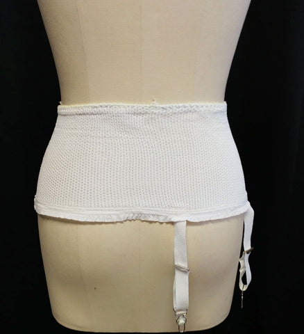 VINTAGE '50s MESH RUFFLE GIRDLE WITH RUBBER TIPS & METAL GARTERS