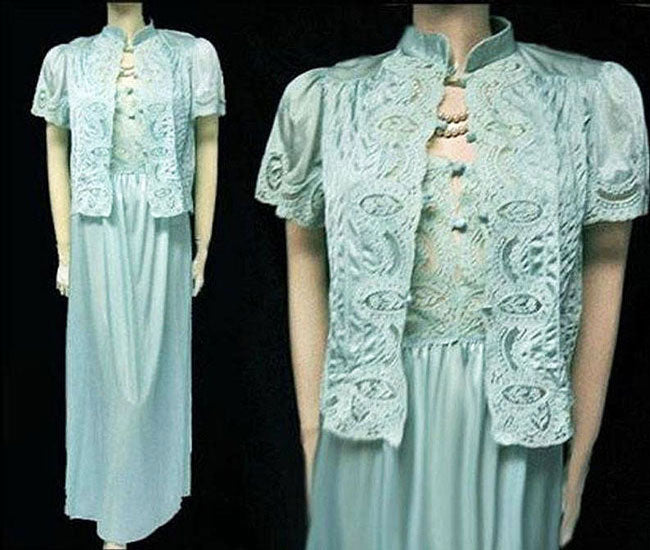 VINTAGE LILY OF FRANCE BY ROSA PULEO-SZULE LACE & PLEATED BED JACKET & NIGHTGOWN SET IN OCEAN BREEZE