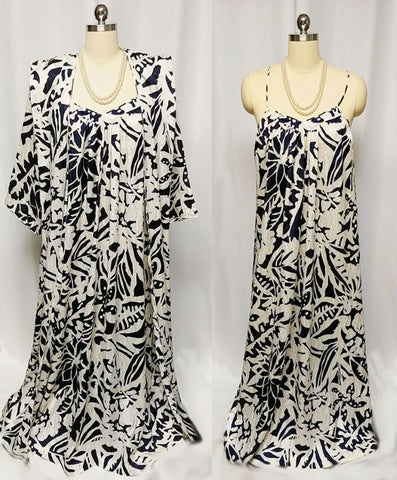 VINTAGE MARY McFADDEN NEIMAN MARCUS NAVY AND WHITE JACQUARD PEIGNOIR & NIGHTGOWN SET