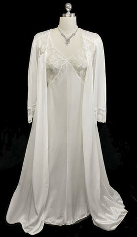 VINTAGE BRIDAL TROUSSEAU MISS ELAINE LACE SILKY NYLON PEIGNOIR & NIGHTGOWN SET WITH ANGEL SLEEVES IN STAR DUST