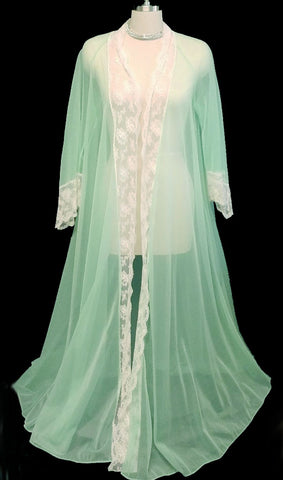 VINTAGE MISS ELAINE GRAND SWEEP SHEER NYLON & LACE PEIGNOIR IN MINT PARFAIT