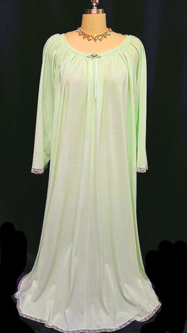 VINTAGE MISS ELAINE GRAND SWEEP NIGHTGOWN IN KEY LIME