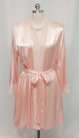 BEAUTIFUL LUXURIOUS HEAVY SATIN EMBROIDERED PEIGNOIR DRESSING GOWN IN TEA ROSE