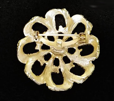VINTAGE '70s GOLD TONE CURLED LEAF PIN BROACH STUDDED WITH AURORA BOREALIS RHINESTONES & A PEARL