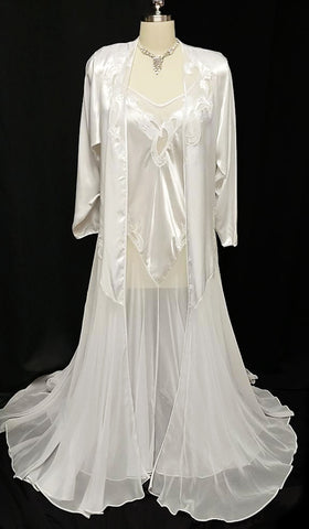VINTAGE 80s / 90s BRIDAL TROUSSEAU PEIGNOIR & NIGHTGOWN SET BY NATORI IN LUSCIOUS GLEAMING SATIN & CHIFFON ADORNED WITH APPLIQUES