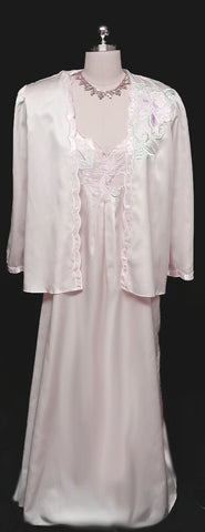 VINTAGE '80s NATORI BRIDAL SATIN PEIGNOIR BED JACKET & NIGHTGOWN SET WITH FLORAL APPLIQUES & LEAVES